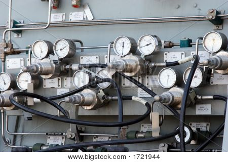 Gauges And Dials