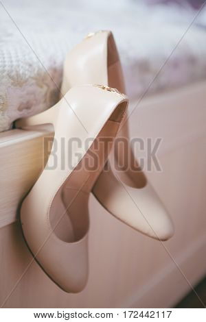 Beige women's shoes, shoes wedding. 2 pices