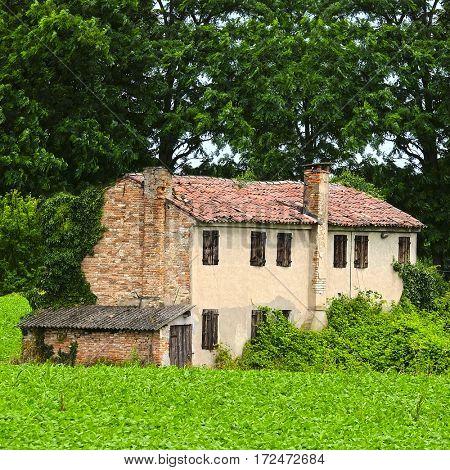 Country house in Rovigo, Italy