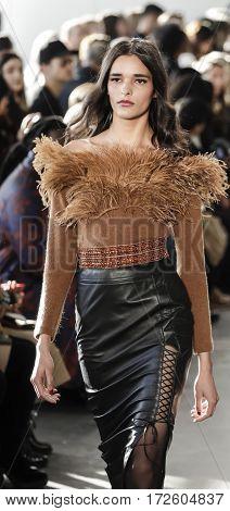 New York Fashion Week Fw 2017 - Pamella Roland Collection