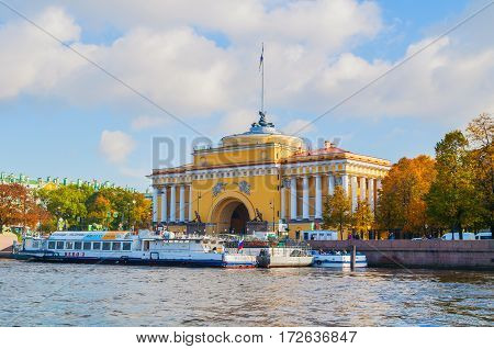 ST PETERSBURG RUSSIA -OCTOBER 3 2016. Admiralty arch on the embankment of Neva river in St Petersburg Russia
