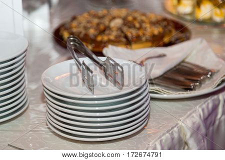 Several dishes are one on one. decoration banquet table