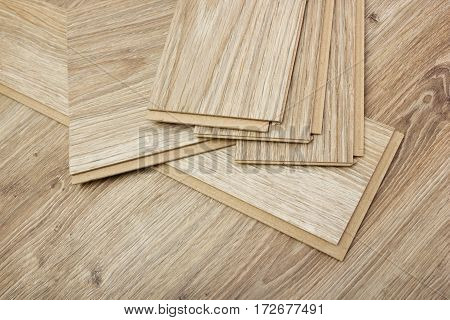 laminate plates simulating the texture of oak for flooring