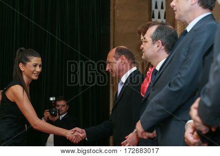 Traian Basescu, Elena Basescu