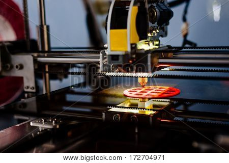 3D Printer Working And Printing