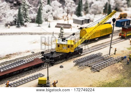 Model of the building train with crane
