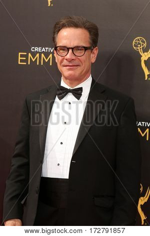 LOS ANGELES - SEP 10:  Peter Scolari at the 2016 Creative Arts Emmy Awards - Day 1 - Arrivals at the Microsoft Theater on September 10, 2016 in Los Angeles, CA