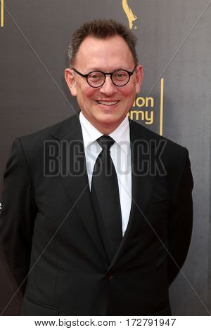 LOS ANGELES - SEP 10:  Michael Emerson at the 2016 Creative Arts Emmy Awards - Day 1 - Arrivals at the Microsoft Theater on September 10, 2016 in Los Angeles, CA