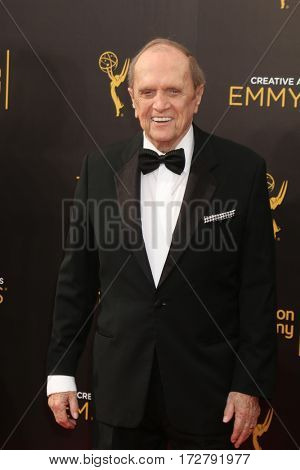 LOS ANGELES - SEP 10:  Bob Newhart at the 2016 Creative Arts Emmy Awards - Day 1 - Arrivals at the Microsoft Theater on September 10, 2016 in Los Angeles, CA