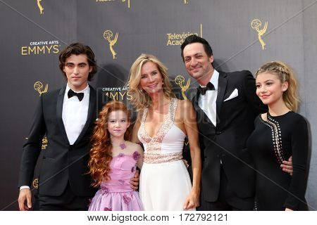 LOS ANGELES - SEP 10: Dog with a Blog Cast, Blake Michael, Francesca Capaldi, Beth Littleford, Stephen Full, G. Hannelius at the 2016 Creative Arts Emmy Awards on September 10, 2016 in Los Angeles, CA