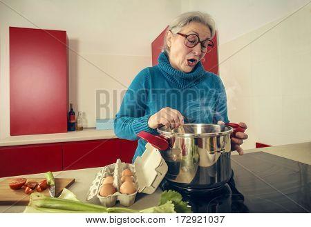 Talkative cook
