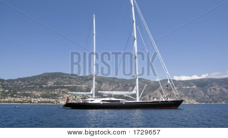 Blakc Sailing Yacht