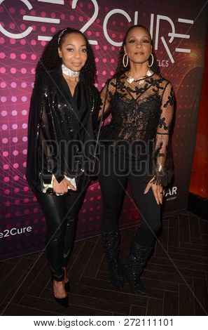LOS ANGELES - DEC 1:  Terry Ellis, Cindy Herron at the amfAR Dance2Cure Kickoff Event at the Bardot on December 1, 2018 in Los Angeles, CA
