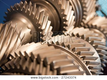 Mainshaft and Countershaft of a transmission with gears meshing. Focus on the gears.