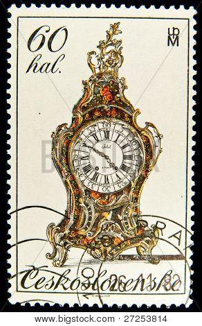 CZECHOSLOVAKIA - CIRCA 1978: A stamp printed in Czechoslovakia shows antique mantel clock, circa 1978