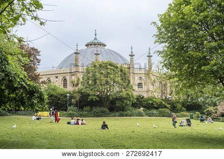 Brighton, East Sussex, Uk, May 2018 - Brighton Royal Pavilion Gardens With Brighton Museum And Art G