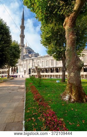 Istanbul, Turkey - Aug 18, 2015: Park On The Blue Mosque Territory. Beautiful Scenery Of Sultan Ahme
