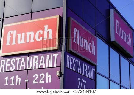 Bordeaux , Aquitaine / France - 03 07 2020 : Flunch Sign Self-service Logo Restaurant Chain Open 7 D