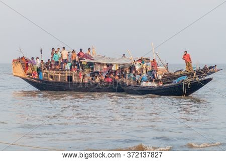 Dublar Char, Bangladesh - November 14, 2016: Hindu Pilgrims On Their Boat During Rash Mela Festival