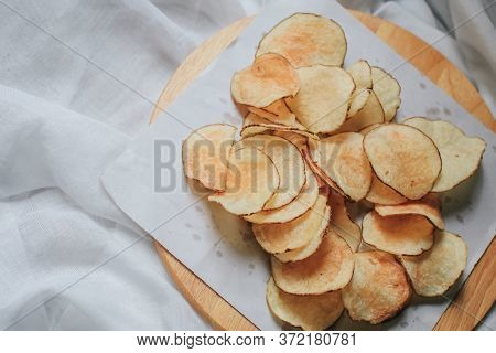 Appetizer, Background, Bowl, Brown, Calories, Chip, Chips, Closeup, Crisp, Crisps, Crispy, Crunchy,