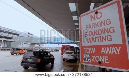 Chicago O Hare Airport Passenger Drop Off - Chicago, Illinois - June 20, 2019