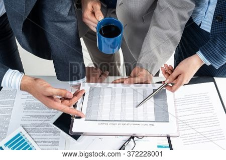 Company Operational Management And Discussion Of Financial Indicators. Corporate Teamwork Concept Wi