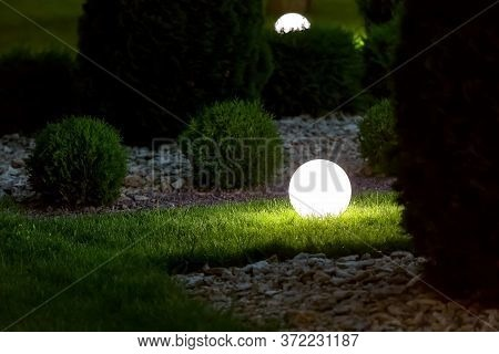 Illumination Backyard Light Garden With Electric Ground Lantern With Round Diffuser Lamp In Lawn In
