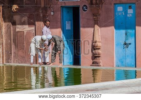 Bhopal, India - February 5, 2017: Muslim Devotees At Taj-ul-masjid Mosque In Bhopal, Madhya Pradesh