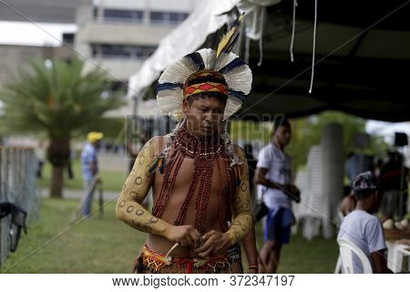 Salvador, Bahia / Brazil - May 7, 2019: Indigenous Of Bahia Tribe Are Seen During To Debate Politica