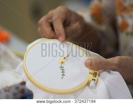 Stitches In Hand Woman Embroidery Flowers Handmade Art With Simple Stitches