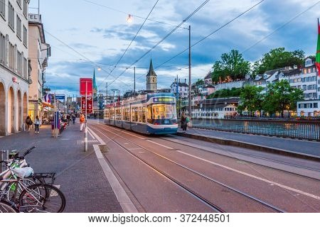 ZURICH, SWITZERLAND, MAY 30, 2016: NIGHT STREETS IN THE CENTRE OF ZURICH.