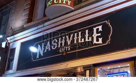 Nashville Gift Shop On Broadway - Nashville, Usa - June 17, 2019