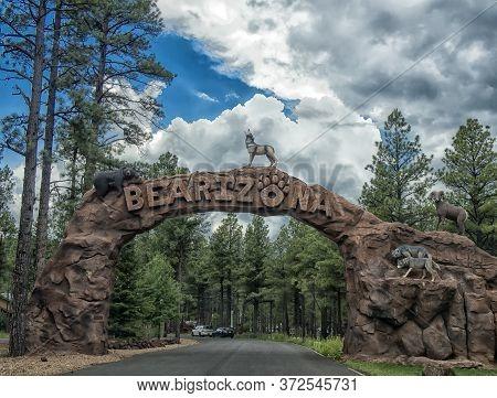 Usa, Arizona 03,06,2017 Entry Into The Bearizona Wildlife Park, Williams, Arizona