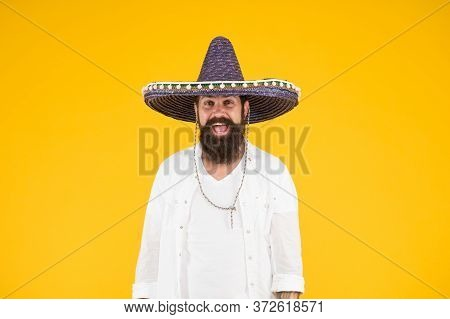 Mexican Energetic Temper. Having Fun On Mexican Party. Mature Bearded Hipster In Sombrero. Summer Ho