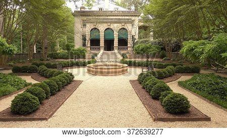 Beautiful Swan House In Atlanta - Atlanta, Georgia - April 21, 2016