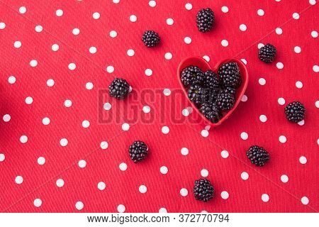 Flat Lay, Heart Symbol Of Blackberries. Berries Arranged In A Circle. Top View.