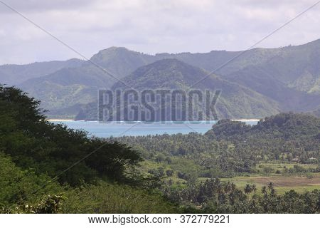 Panoramic View Of Mawun Beach In Lombok, Indonesia. Kuta Lombok Is An Exotic Paradise On The Indones