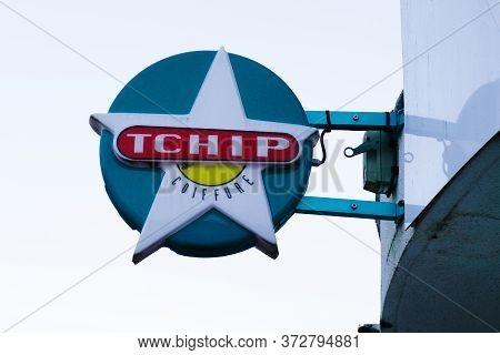 Bordeaux , Aquitaine / France - 02 15 2020 :  Tchip Logo Store Sign Shop Low Cost Discount Hairdress