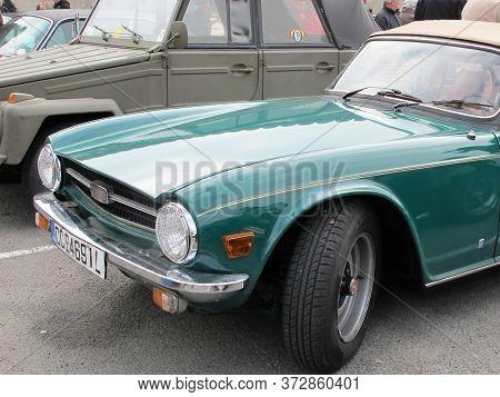 Bordeaux , Aquitaine / France - 06 14 2020 :  Triumph Tr6 Green Vintage Car Oldimer Convertible