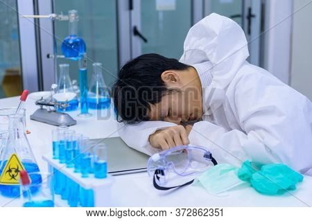 Scientist Fail And Unsuccessful On Vaccine Test. Asian Doctor Team Has Researching And Working On Co