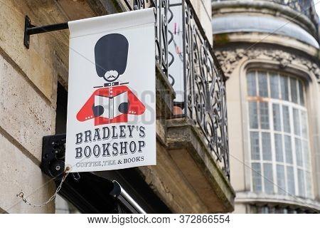 Bordeaux , Aquitaine / France - 06 14 2020 : Bradley's Bookshop Logo Shop On Bordeaux English Books
