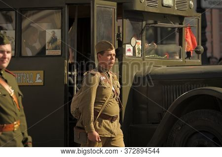 St. Petersburg, Russia, May 9, 2013 Young People In The Form Of Infantrymen Of The Second World War.