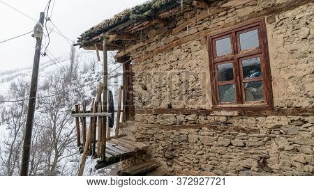 Hizan, Bitlis, Turkey - February 2020: Stone Houses Of A Villahe In Hizan Province In Winter, Easter