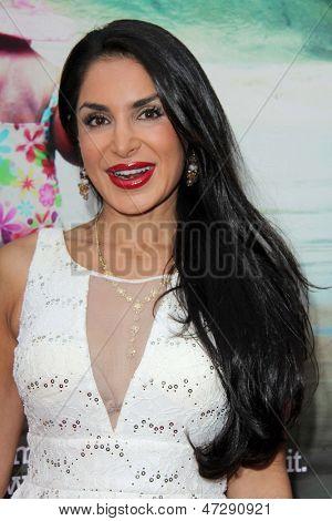 LOS ANGELES - JUN 12:  Saye Yabandeh arrives at the