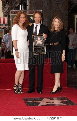 LOS ANGELES - JUN 24:  Jerry Bruckheimer, family at  the Jerry Bruckheimer Star on the Hollywood Walk of Fame  at the El Capitan Theater on June 24, 2013 in Los Angeles, CA