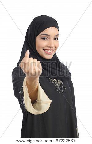 Arab Saudi Emirates Woman Gesturing Beckoning