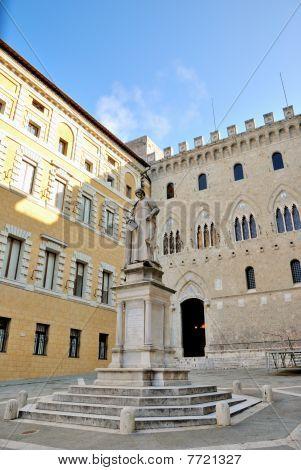 Piazza Salimbeni (siena)