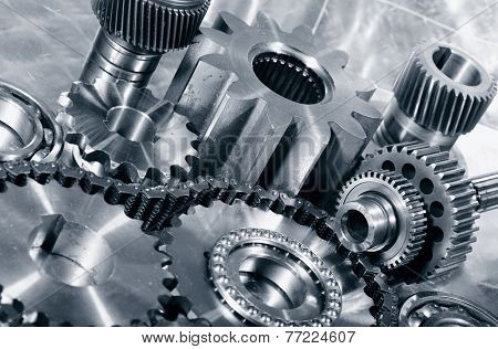 cogwheels, gears and timing-chain, aerospace parts in titanium and steel