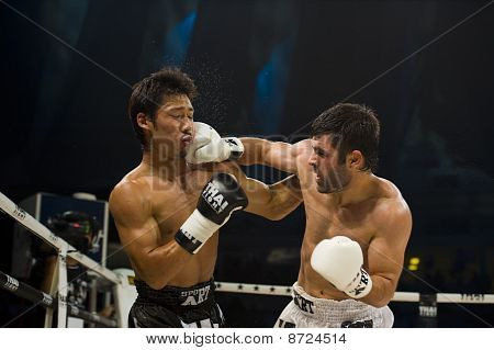 Japanes Vs Turkish Thai Boxer In Bangkok