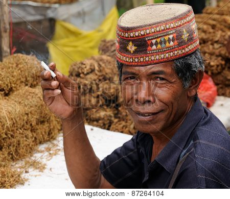 People From Indonesia, Tobacco Seller